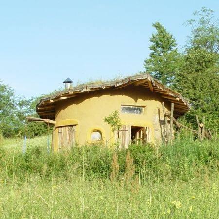 case ecologice construite din lut case ecologice case ieftine şi